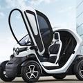 ルノー超小型EV『Twizy』フランスで14歳から運転可能に!!のサムネイル画像